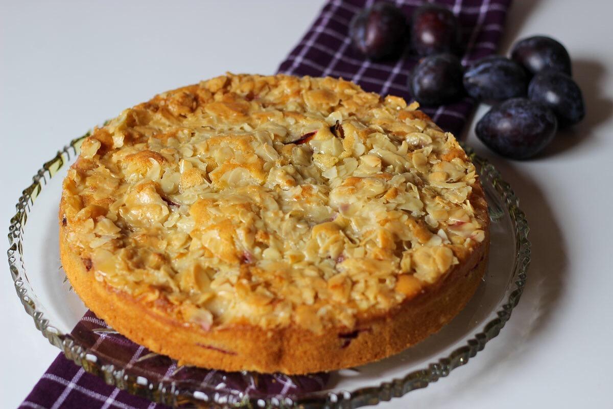 Zwetschgenkuchen mit Bienenstichkruste - Kathis Rezepte